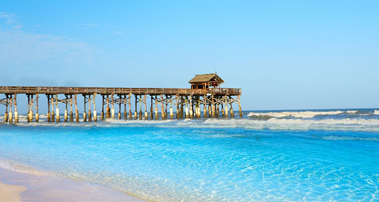 USA Surfing Destinations: Cocoa Beach Pier, Florida